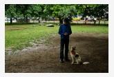 Súťažiaci so psíkom
